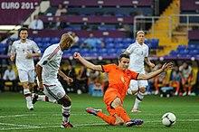 220px-NED-DEN Euro 2012 (21)