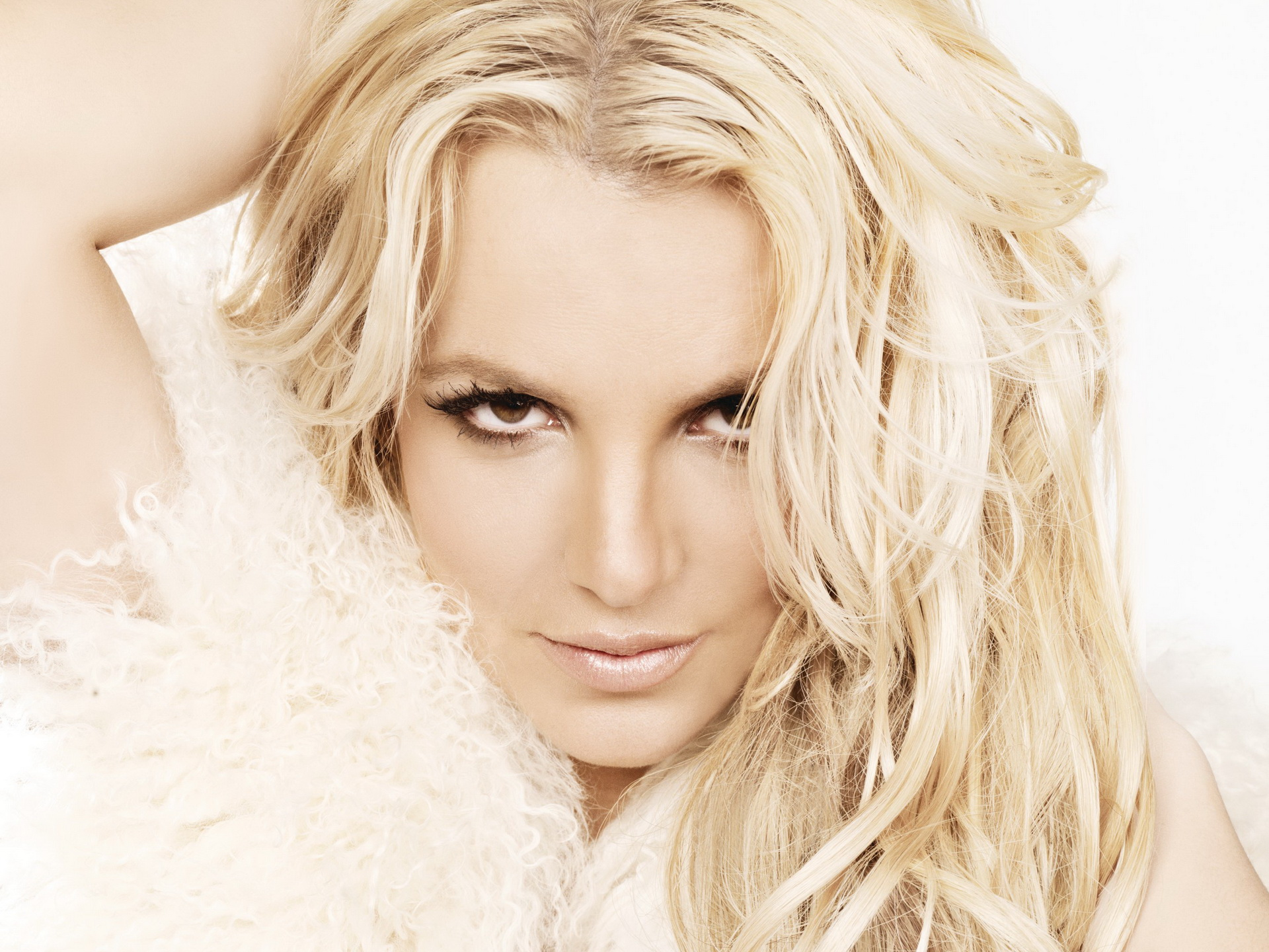 Britney Spears Wallpaper 2116
