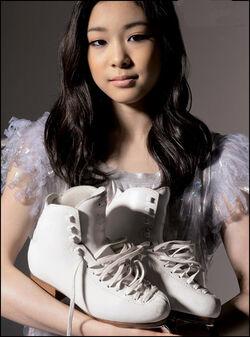 Kim Yu-Na skates