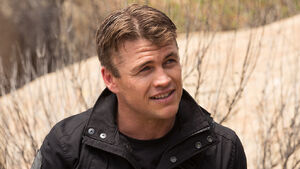 LukeHemsworth Westworld