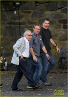 Leonardo-dicaprio-wolf-of-wall-street-set-with-martin-scorsese-06