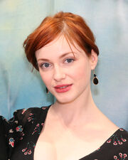 Christina Hendricks @ BE booth