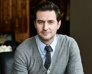 Richard-Armitage8