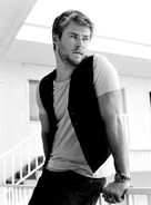 Chris Hemsworth 12