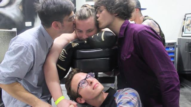 File:Frank max kiss anything4views.png
