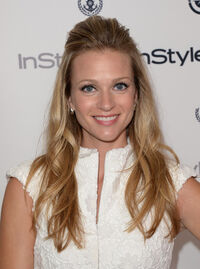 J Cook Arrivals 12th Annual InStyle Summer z81bsMBG2-tl