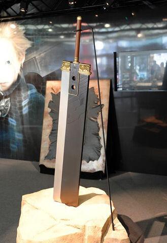 File:Buster Sword Full-Scale Replica.jpg