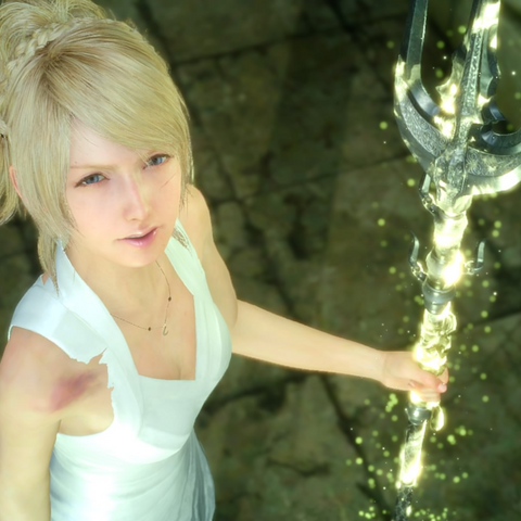 Lunafreya wields the Trident of the Oracle.