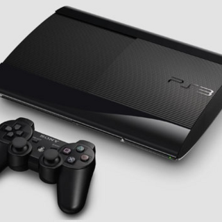 PlayStation 3 Super Slim.