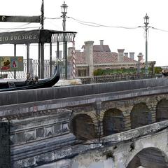 Канал с гондолой в Альтиссии.