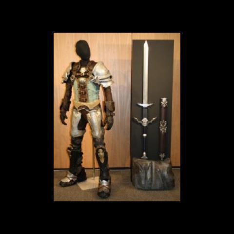 Outra réplica da armadura do Guerreiro da Luz.