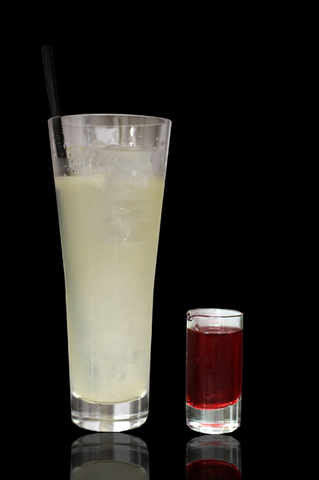 File:Artnia Drink Victor & Victoria.png