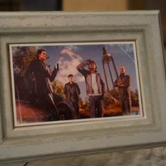 Старое фото с Кором и другими друзьями Региса.