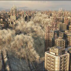Уничтожение секции шоссе в <i>Final Fantasy VII: Advent Children</i>.