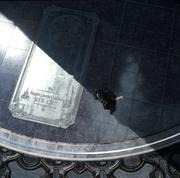 Public-Monument-to-Regis-FFXV