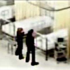 Сюрикэн (девушка) и Катана (парень) навещают игрока Турка в госпитале.