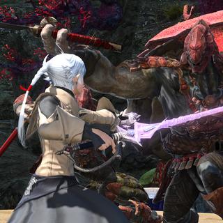 Alisaie enfrentando um Kojin.