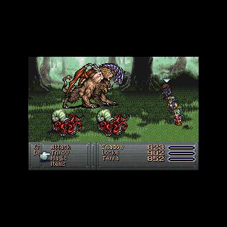 Перехватчик атакует врага.