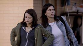 2x01 30 Carter, Lori