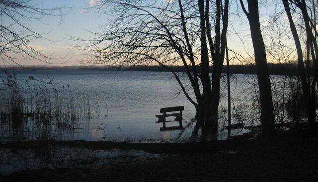 File:Flooded bench on Onondaga lake.jpg