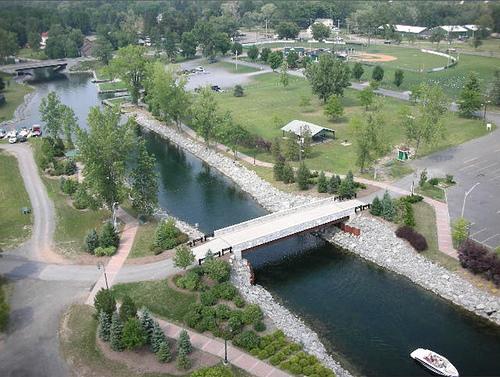 File:Owasco Lake Outlet, Emerson Park.jpg