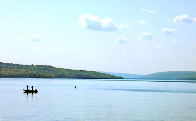 File:Owasco Lake, New York.jpg