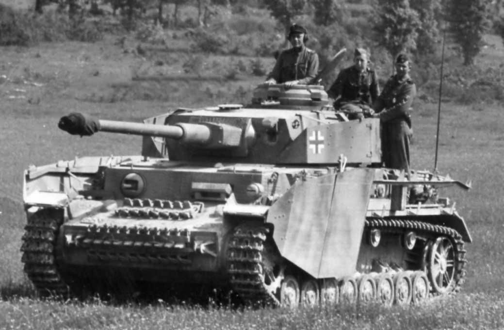 Pz.Kpfw.IV Ausf.H and J Panzer Tracts No.4-3