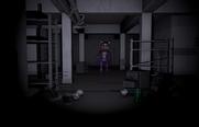 Cindy w korytarzu 1