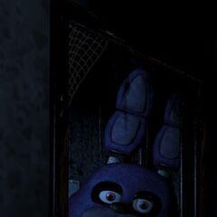 Bonnie en la puerta, lleno (recortada).