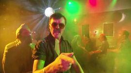 2x05 - Too Many Dicks On The Dance Floor