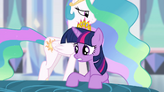 Twilight -just now starting to steal magic- S4E25