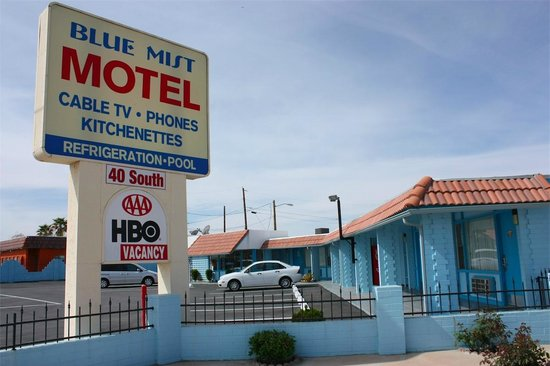 File:Blue-mist-motel.jpg