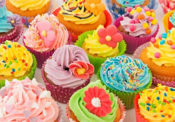 File:Cupcake-bake-off1-600x418.jpg