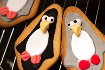 Penguin-Biscuits2