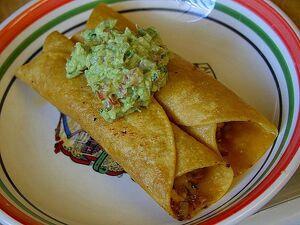 Flautas guacamole tortillas