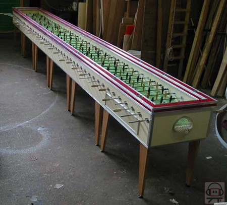 File:Biggest-foosball-table-world.jpg