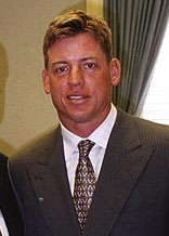 Aikman visits Hall, cropped