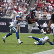 Arian Foster leaps
