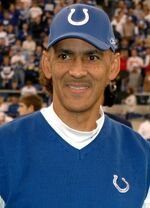 Tony Dungy award cropped