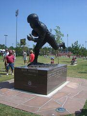 Billy Vessels statue in Heisman Park at Memorial Stadium Norman, OK (1394519858)