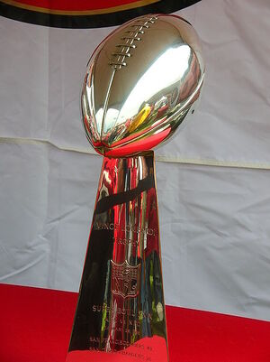 448px-Super Bowl 29 Vince Lombardi trophy at 49ers Family Day 2009