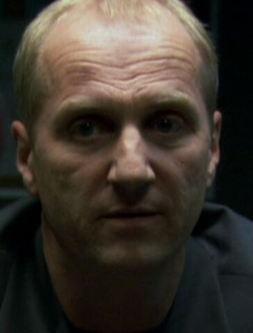 File:Leon Frevert 1x10.jpg