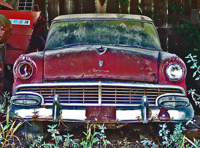 File:1956 Ford Fairlane.jpg