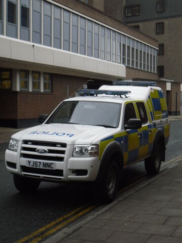 File:North Yorkshire Police FORD RANGER YJ57 NNC.jpg