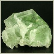 Green fluorspar crystal1