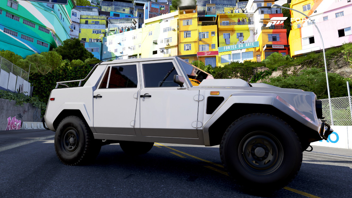 https://vignette.wikia.nocookie.net/forzamotorsport/images/0/03/FM6_Lamborghini_LM_002.jpg/revision/latest?cb=20180109220331