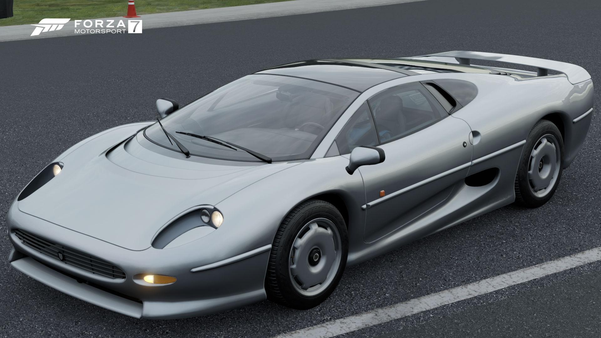 Amazing Jaguar XJ220