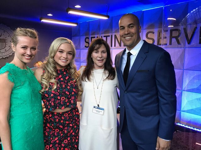 File:Upfronts 2017 Amy Acker, Natalie Alyn Lind, Lauren Shuler Donner, and Coby Bell.jpg