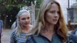TG-Caps-1x04-eXit-strategy-48-Lauren-Caitlin