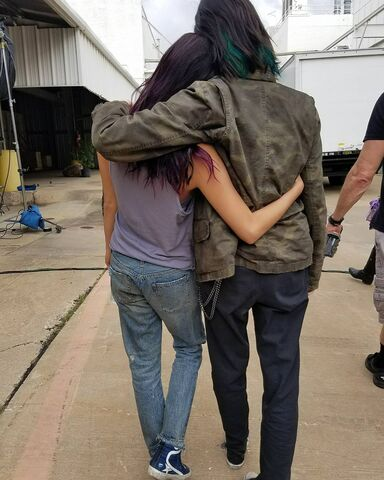 File:BTS Jamie Chung and Emma Dumont 'Mutant Sisters'.jpg